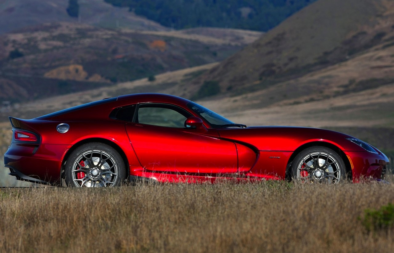 dodge cuts viper 39 s lofty price tag sales jump the official blog of. Black Bedroom Furniture Sets. Home Design Ideas