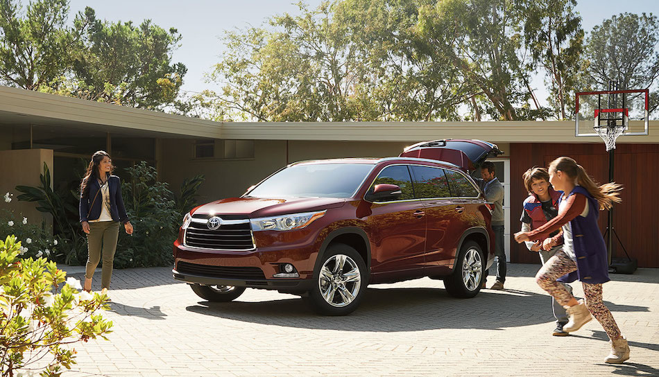 Top 10 Family Cars That Aren T Minivans The Official